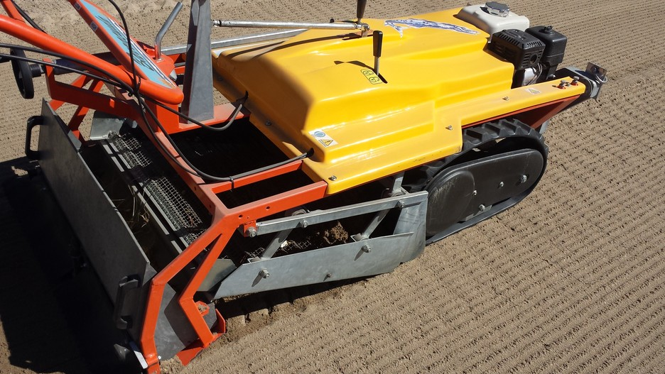 Beach Cleaner, Track Driven Sand Machine, Beach Cleaning